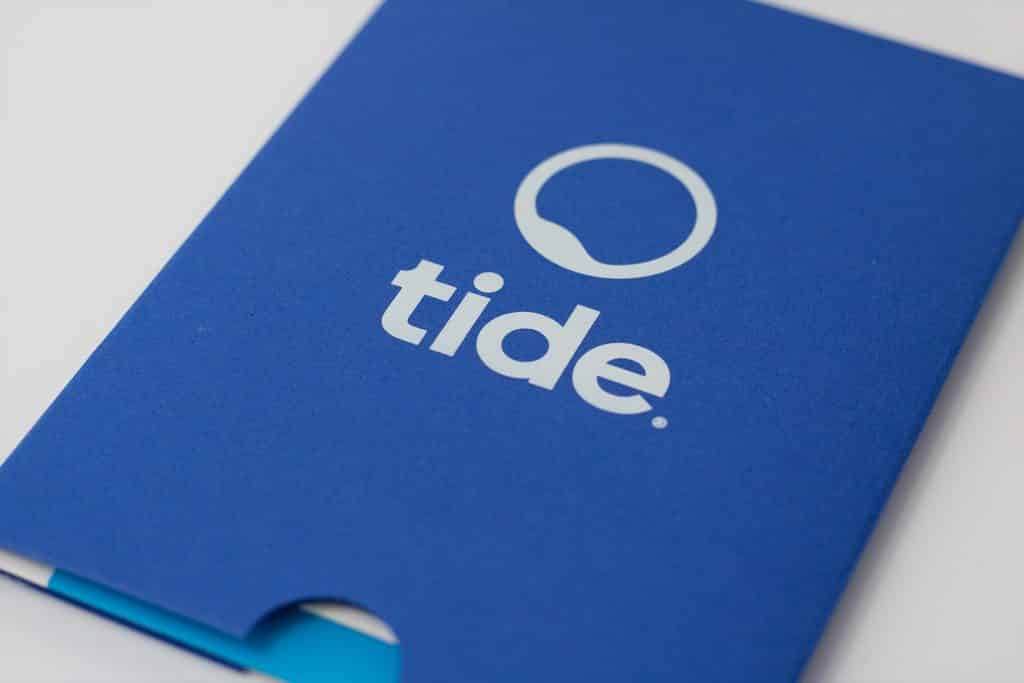 Tide Blue Card Holder